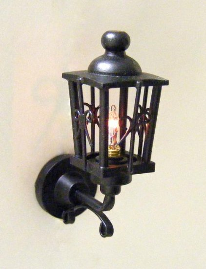 Delightful CK4157 Ornate Coach Lamp