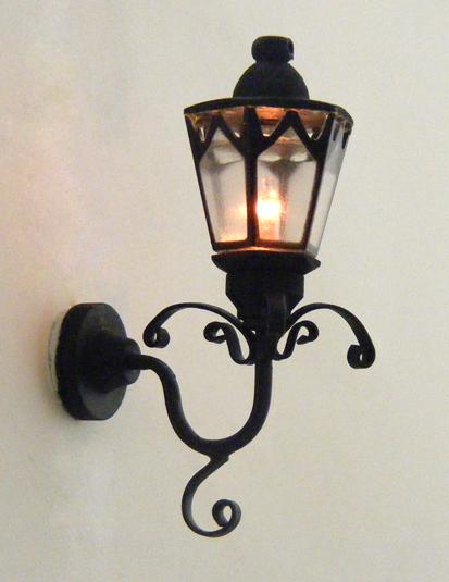 Lovely CK4158 Black Gothic Coach Lamp